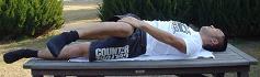 寝て捻る腰のストレッチ